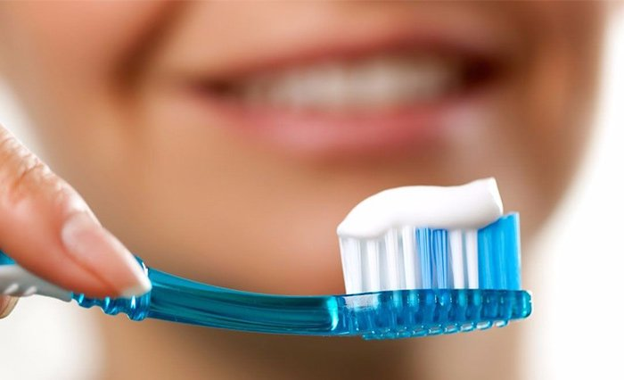 Những thành phần chủ yếu của kem đánh răng