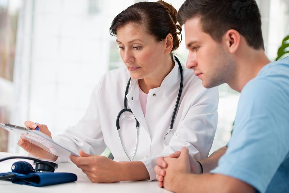 Tham khảo ý kiến bác sĩ khi chữa bệnh