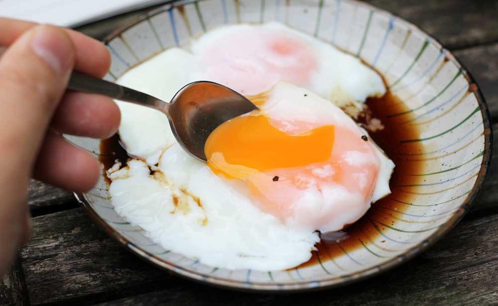 Món trứng gà chần