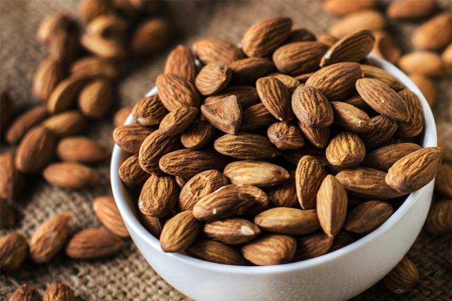 Hạnh nhân là một loại hạt quý có nhiều dưỡng chất