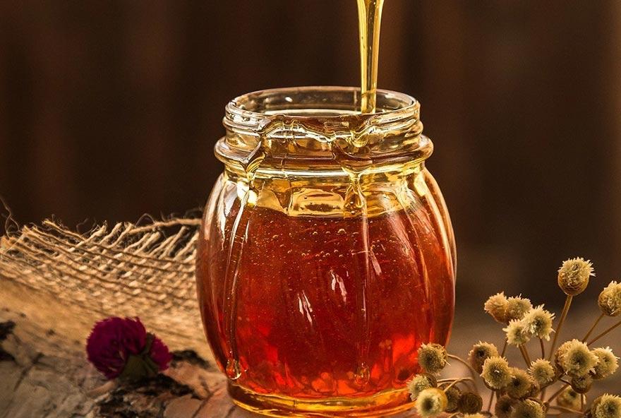 Mật ong giúp chuyện ấy thêm dẻo dai, bền bỉ