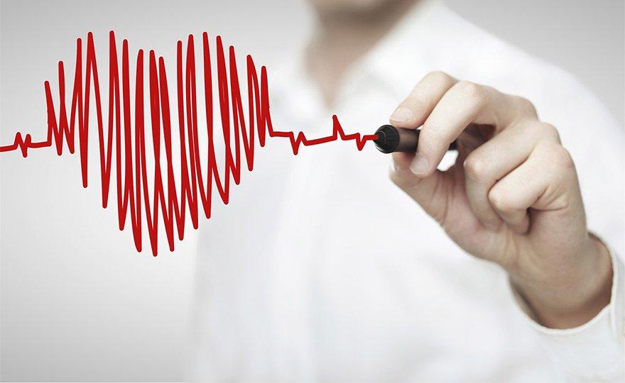 Quan hệ tình dục có lợi cho sức khỏe nhưng người bị tim mạch nên lưu ý điều độ