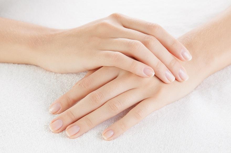 Bàn tay cũng là một trong những điểm nhảy cảm trên cơ thể người phụ nữ