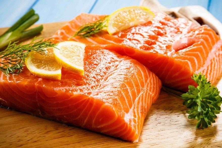 Cá hồi là lựa chọn tốt nhất để cung cấp dinh dưỡng cho cả mẹ và bé