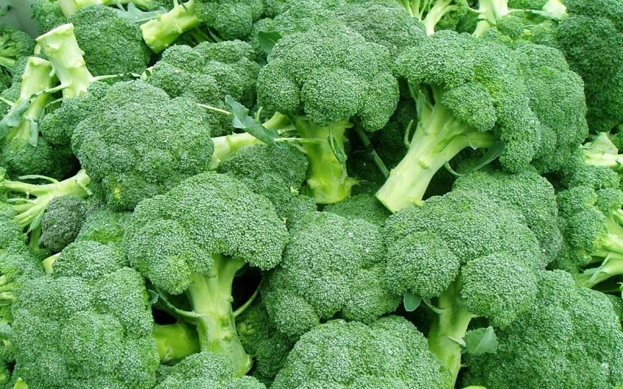 Ăn nhiều rau xanh, súp lơ,...sẽ giúp mẹ bầu dễ tiêu hóa hơn