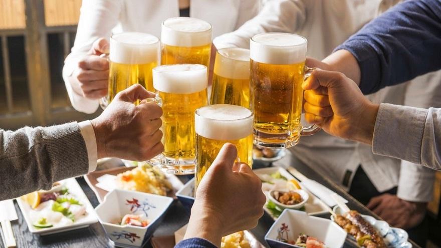 Rượu bịa là nguyên nhân làm giảm chức năng sinh sản ở nam giới