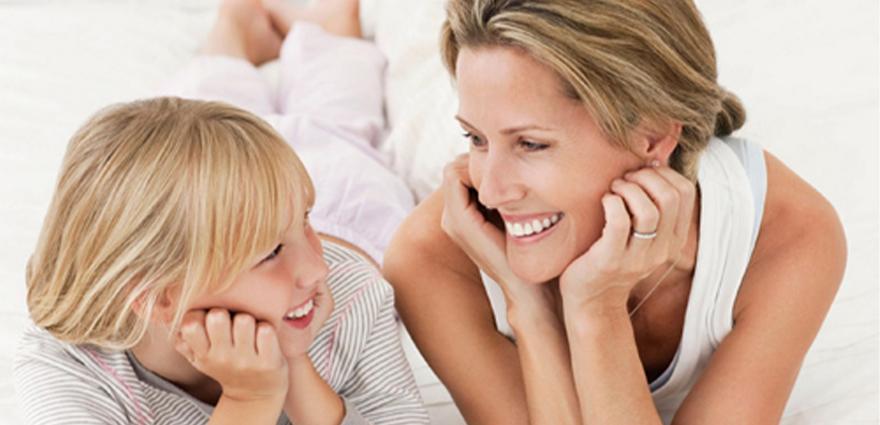 Con gái tuổi dậy thì thích được tạo bất ngờ từ gia đình, bạn bè