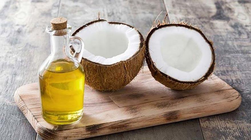 Dầu dừa sẽ là một nguyên liệu tuyệt vời trong vấn đề dưỡng da mềm mại